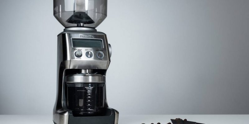 Manual vs Electric Coffee Grinder – Which is Better?